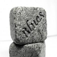 Камни с гравировкой для виски