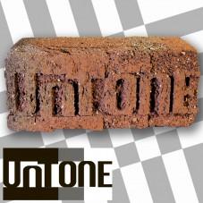 Гравировка логотипа на кирпиче ручной формовки